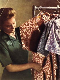 Museum Talk - Coupons, Quality and Civilian Clothing: M&S in the 1940s